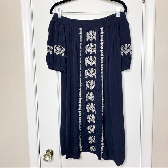 LOFT Dresses & Skirts - LOFT navy white embroidered off shoulder dress XS